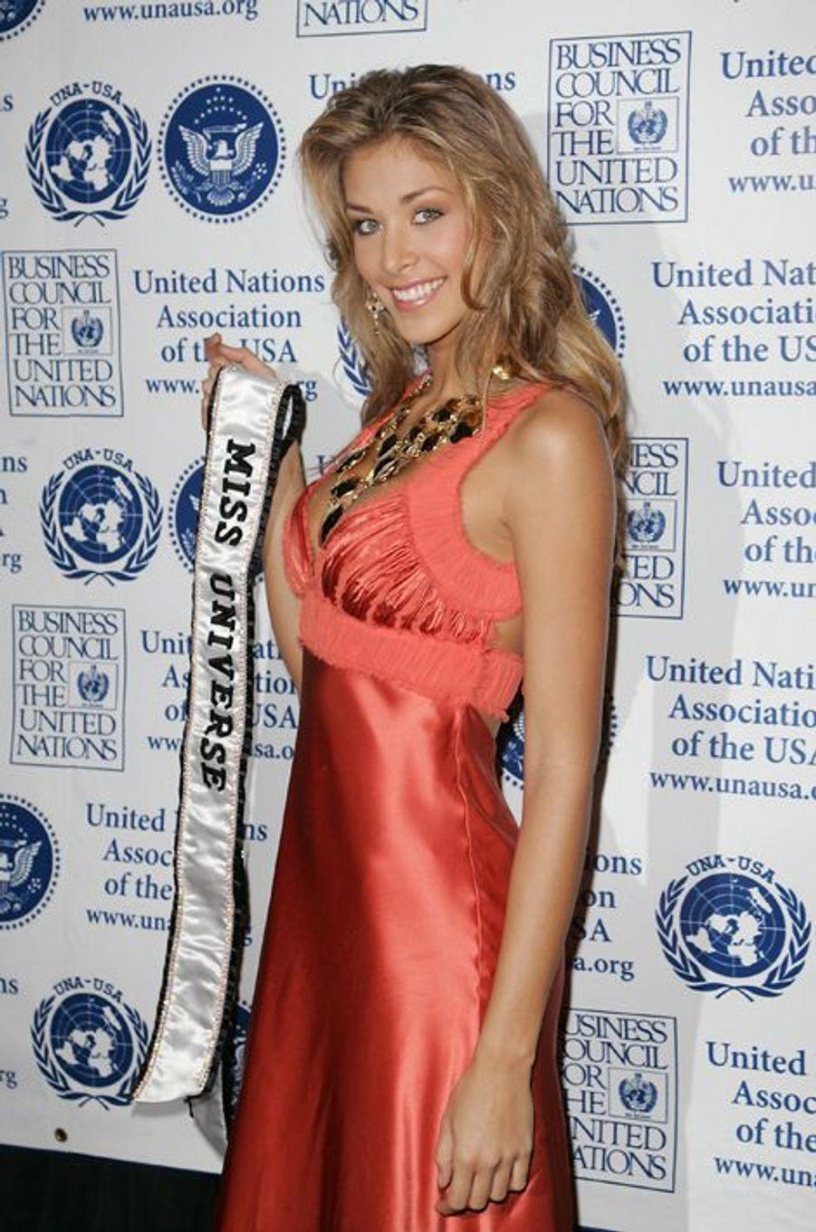 Dayana Mendoza, Miss Venezuela élue Miss Univers 2008