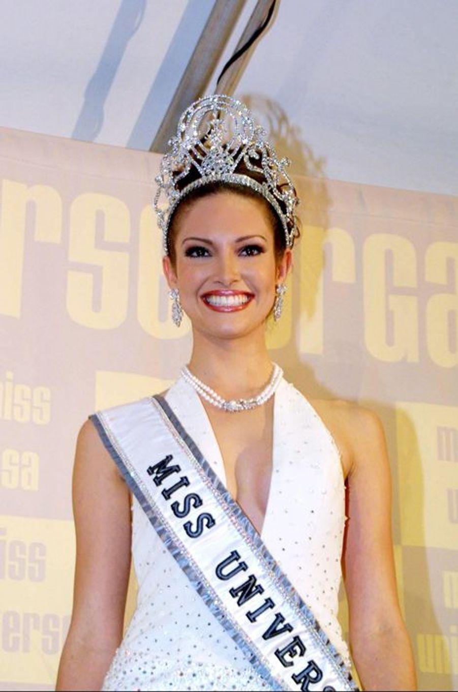 Denise Quinoses, Miss Puerto Rico élue Miss Univers 2001