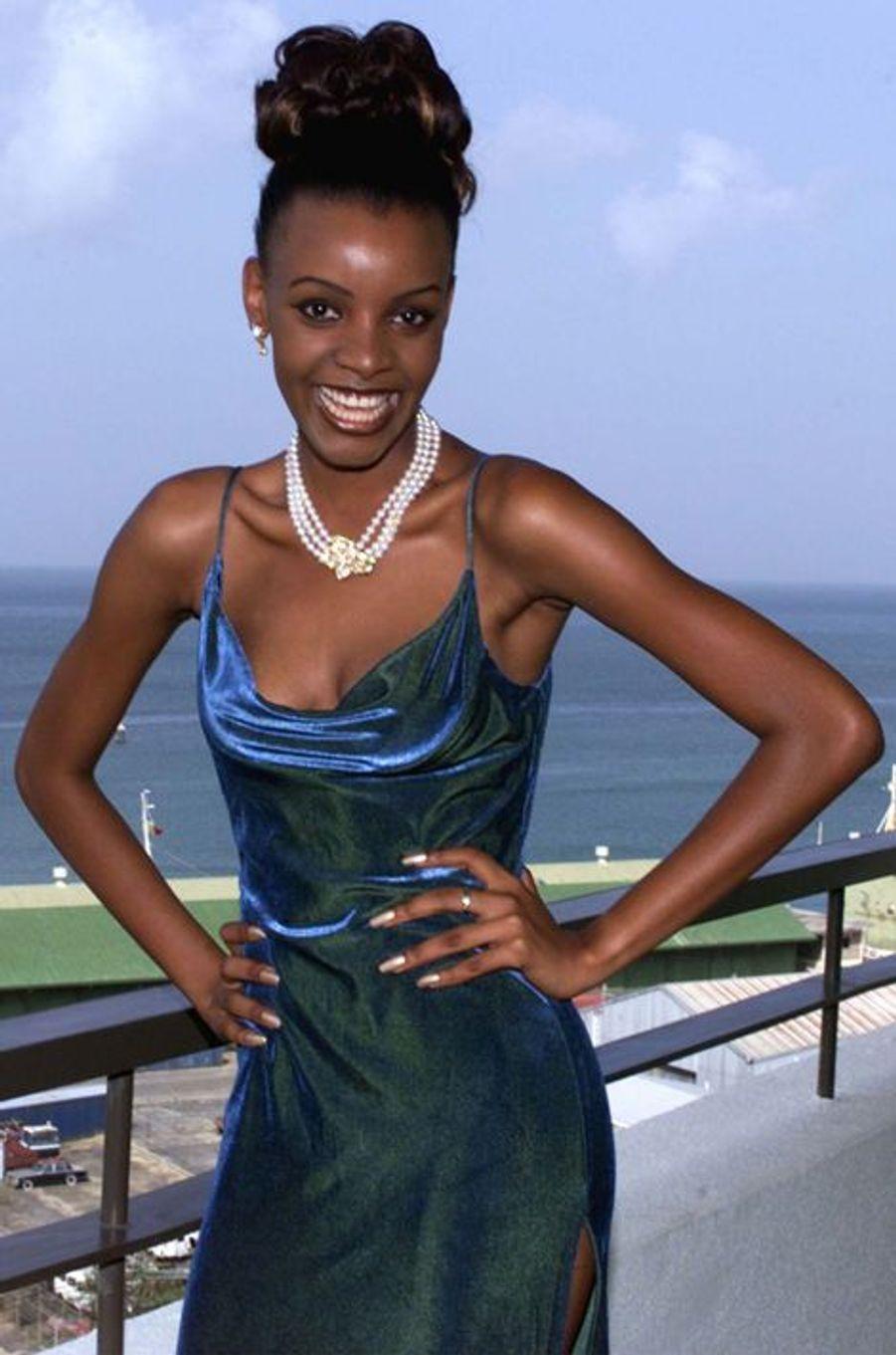 Mpule Kwelagobe, Miss Botswana élue Miss Univers en 1999