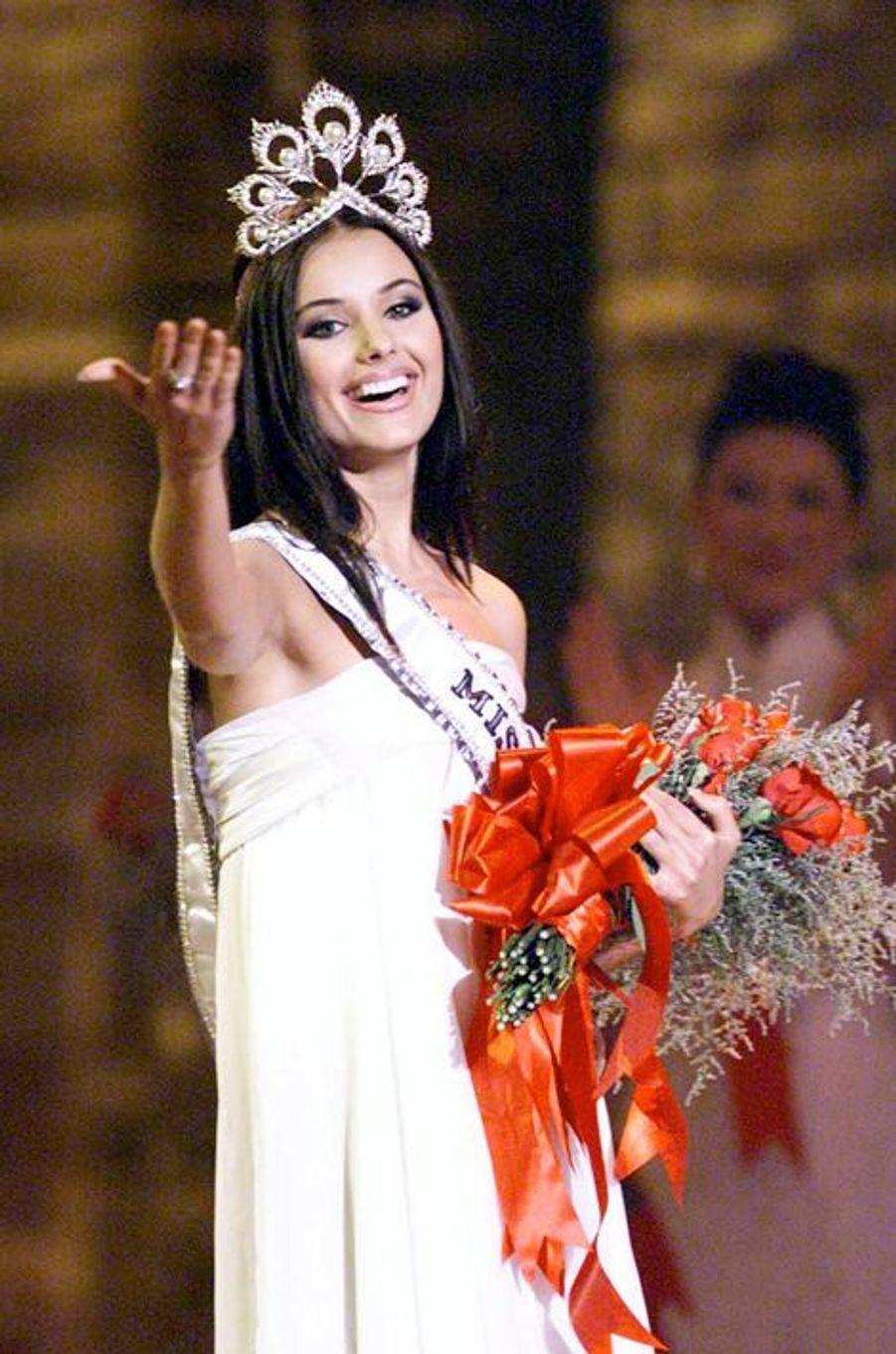 Oksana Fiodorova, Miss Russie élue Miss Univers 2002