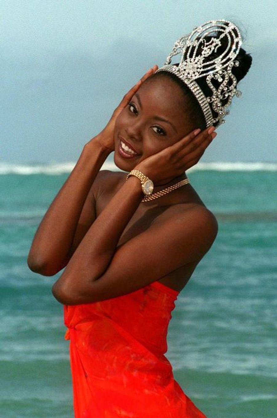 Wendy Fitzwilliam, Miss Trinite-et-Tobago élue Miss Univers en 1998