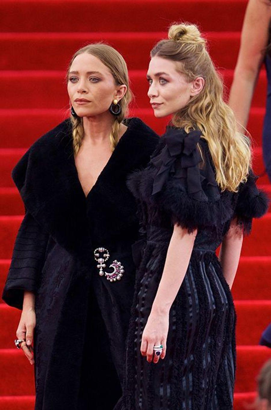 Mary-Kate et Ashley Olsen en Dior by John Galliano