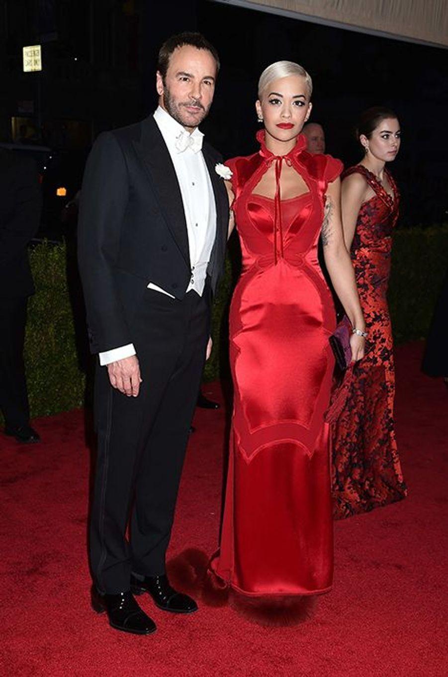 Tom Ford et Rita Ora. La chanteuse portait du Tom Ford