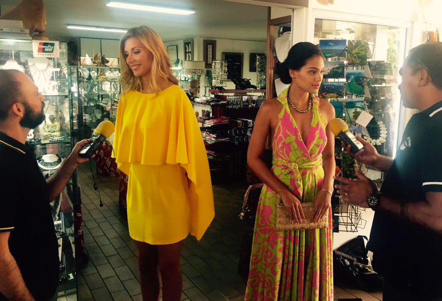 Camille Cerf en visite à Tahiti avec sa première dauphine