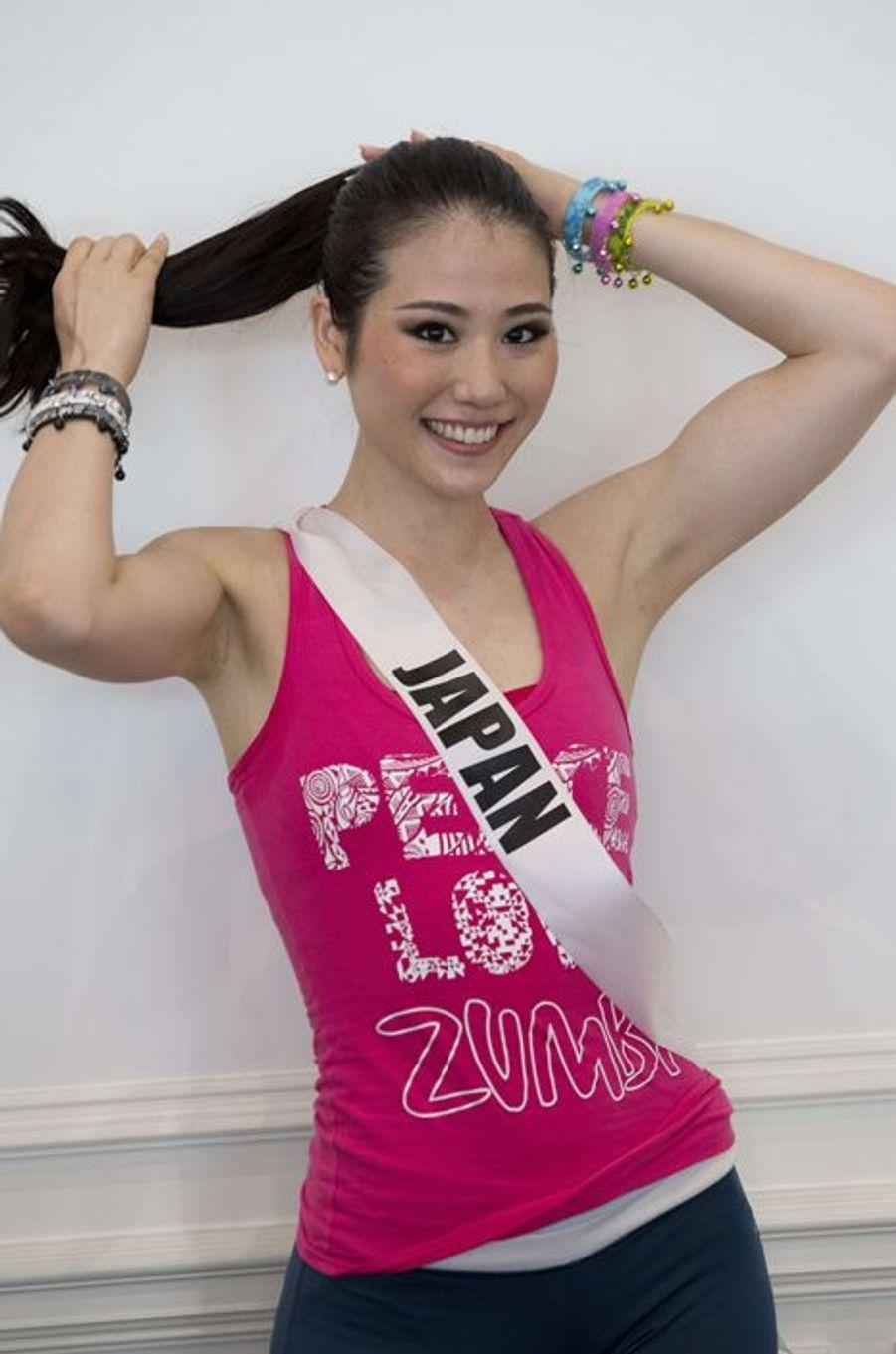 Les prétendantes au titre de Miss Univers s'entraînent à la zumba. À Miami, le 13 janvier 2015