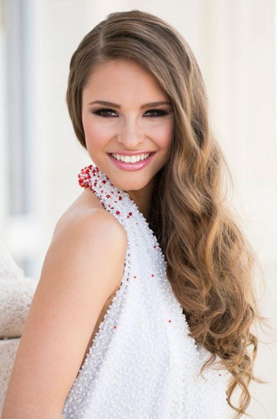Miss Autriche 2014 - Julia Furdea