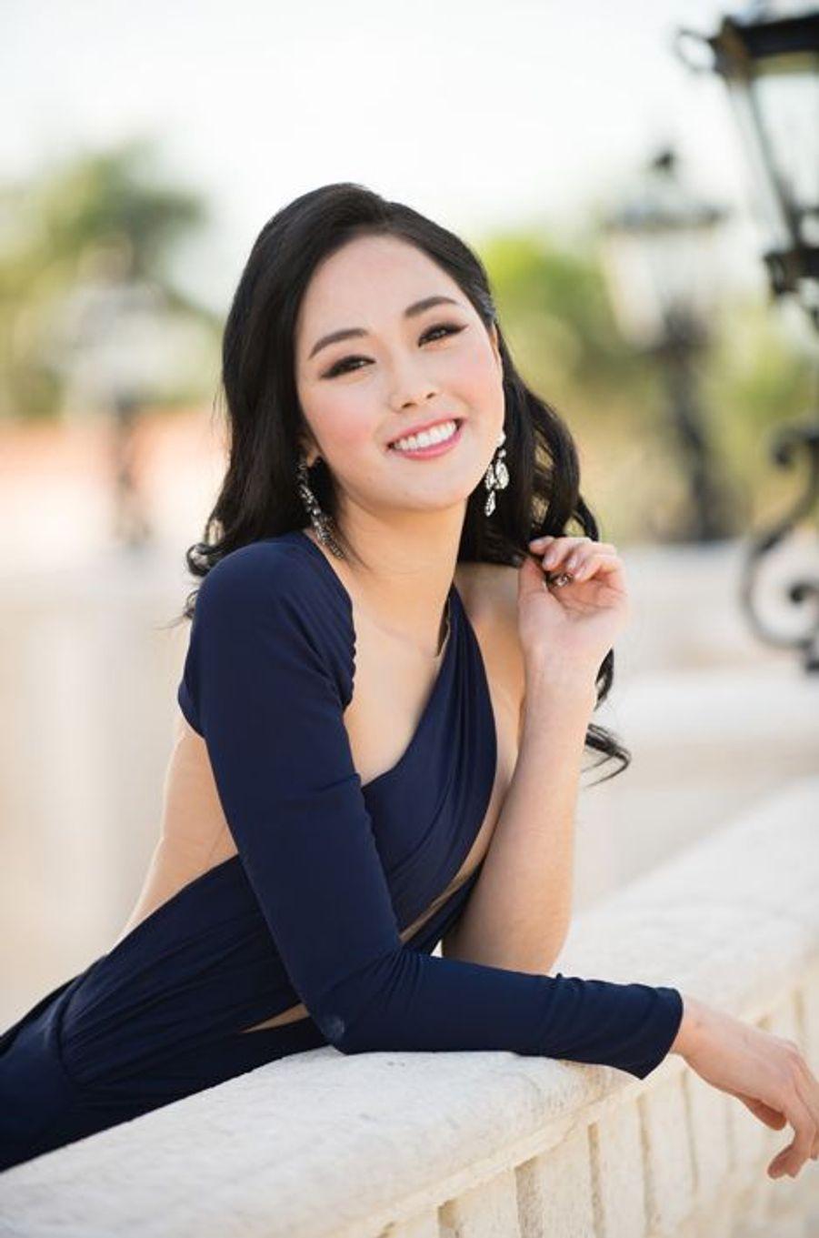 Miss Corée 2014 - Yoo Bin