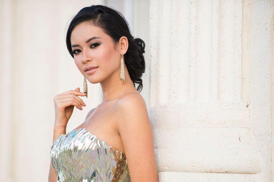 Miss Indonésie 2014 - Elvira Devinamira