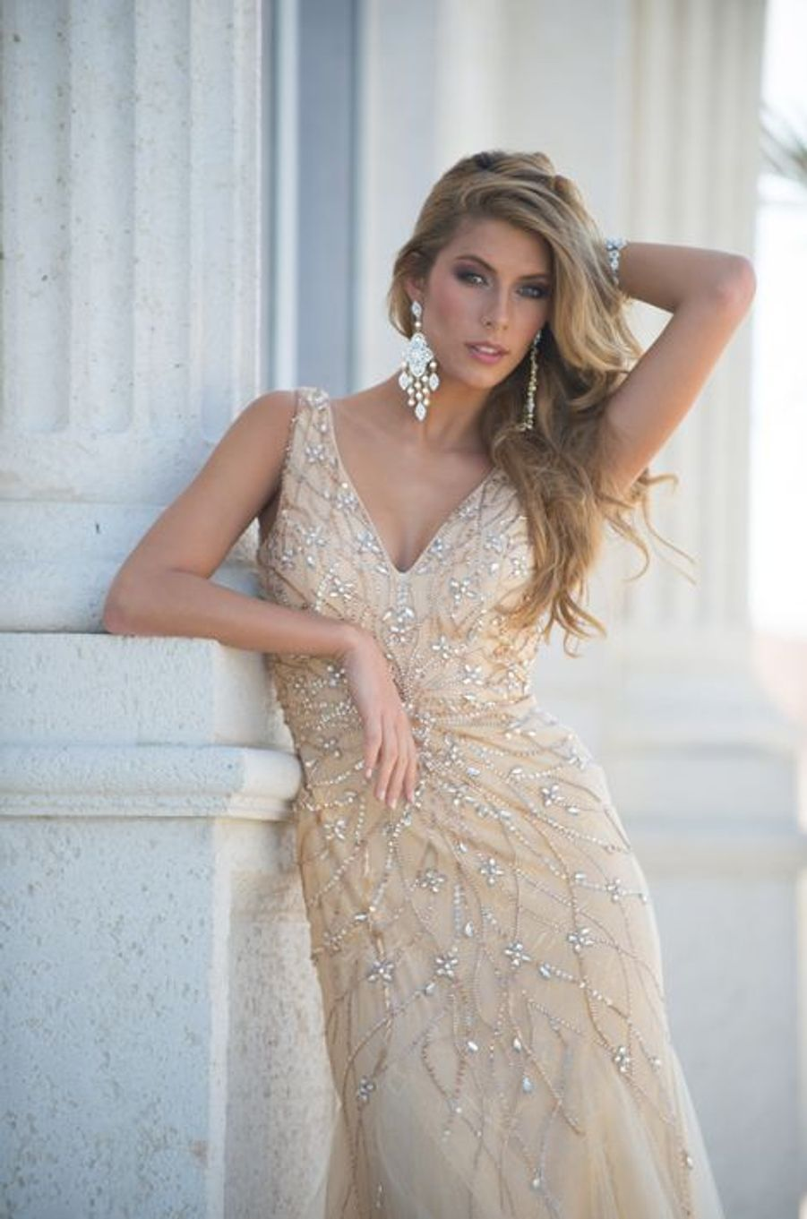 Camille Cerf pour Miss Univers 2015
