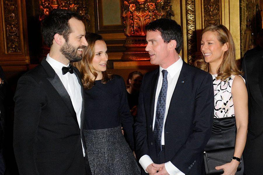 Benjamin Millepied, Natalie Portman, Manuel Valls et Anne Gravoin à Paris le 12 janvier 2014