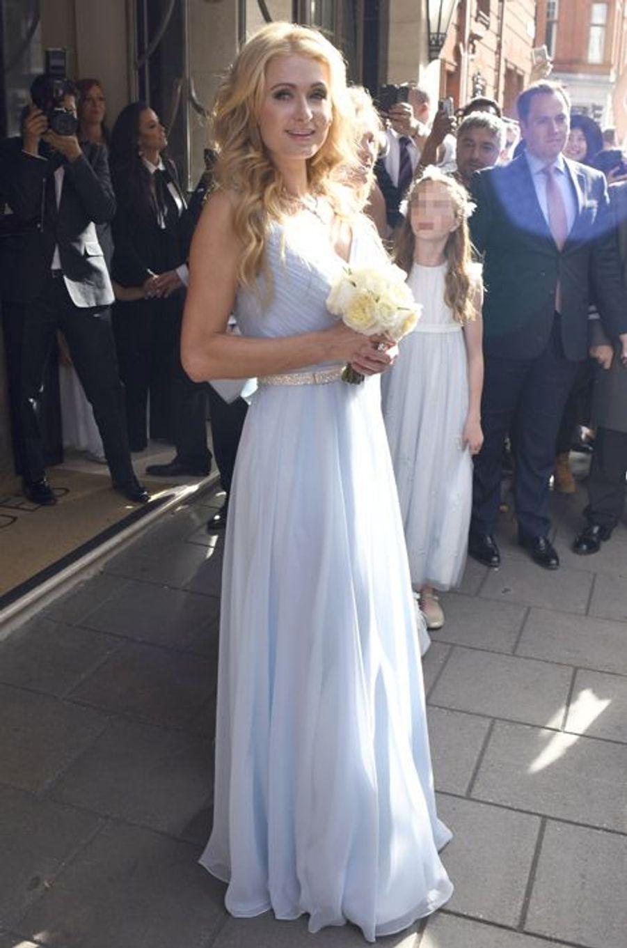 Paris Hilton était la demoiselle d'honneur au mariage de sa sœur Nicky Hilton