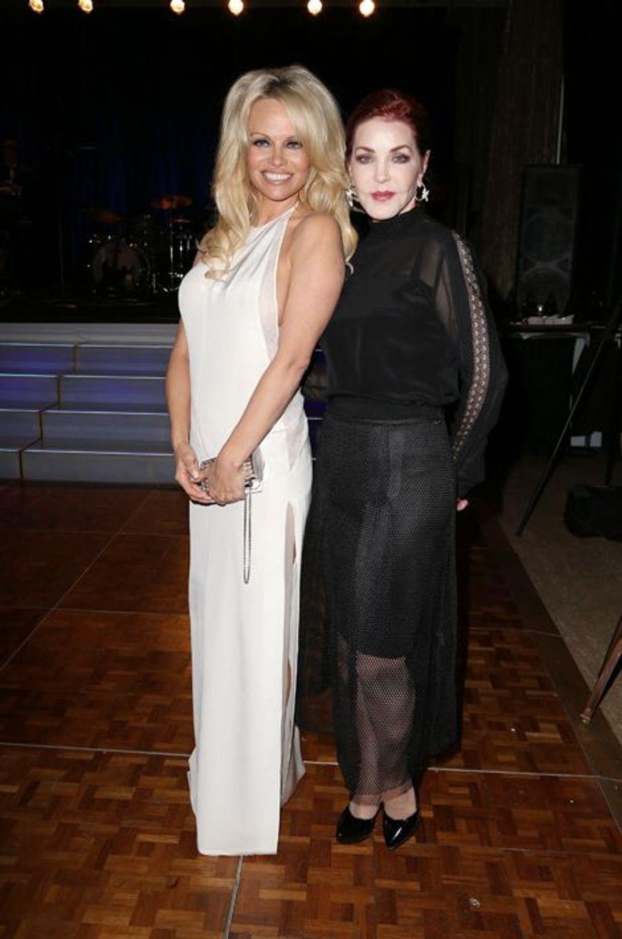 Pamela Anderson et Priscilla Presley