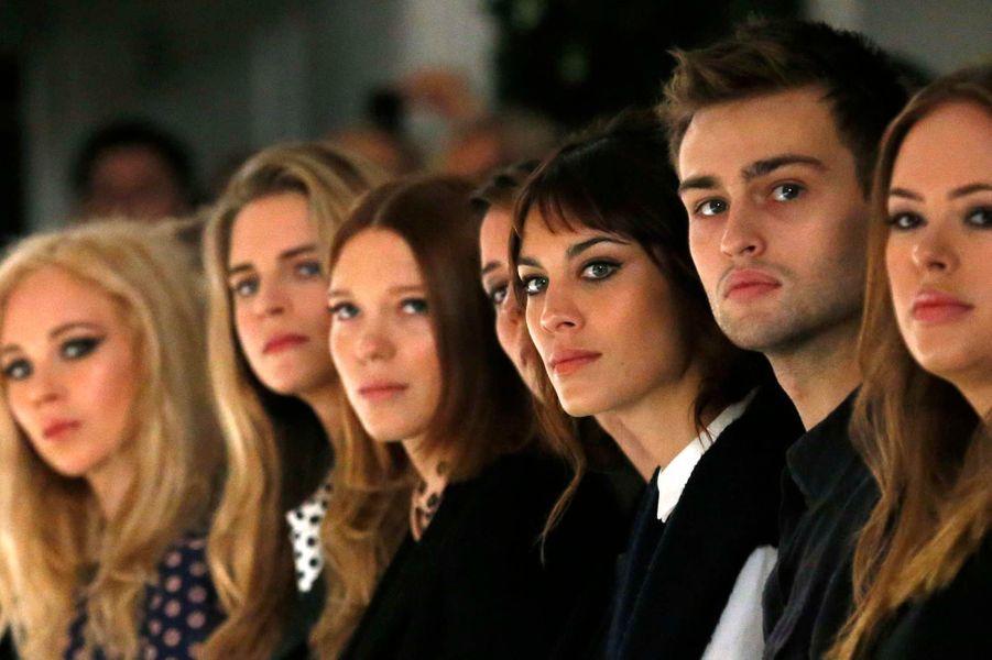 De gauche à droite: Juno Temple, Brit Marling, Lea Seydoux, Rebecca Hall, Alexa Chung et Douglas Booth