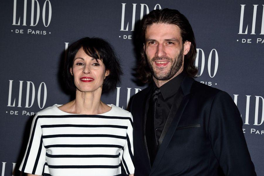 Marie-Claude Pietragalla et son compagnon, Julien Derouault, à Paris le 8 avril 2015