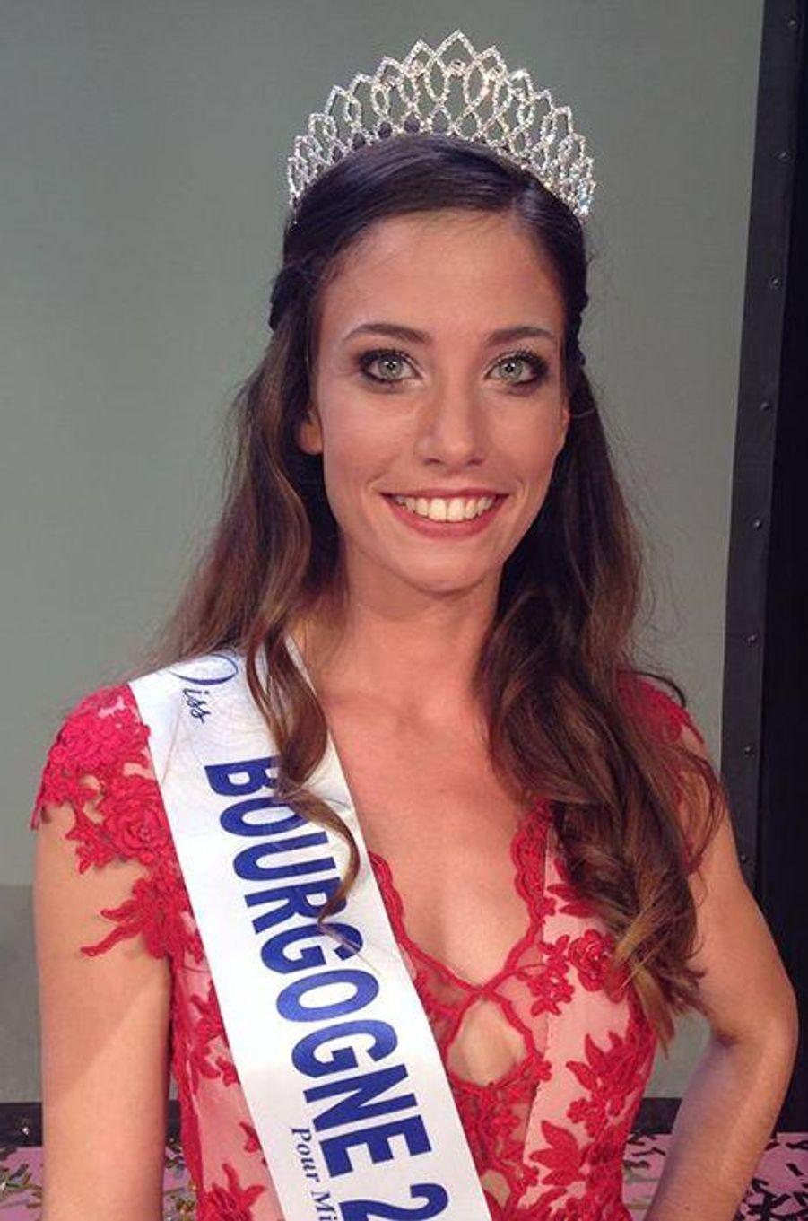 Miss Bourgogne - Jade Velon (21 ans - 1,74 m) - Étudiante infirmière