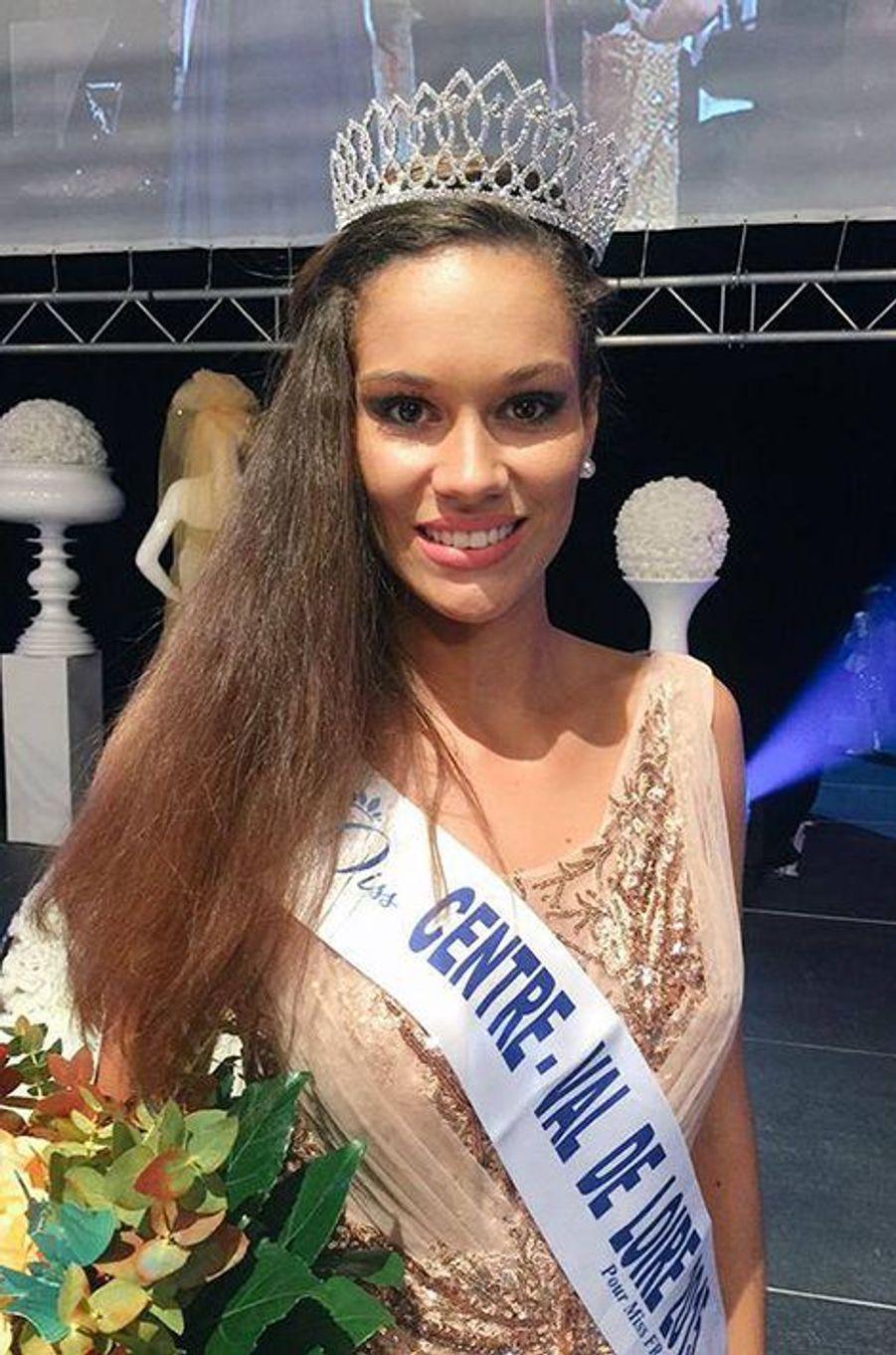 Miss Centre-Val de Loire - Margaux Bourdin (18 ans - 1,76 m) - Étudiante en BTS Management des unités commerciales
