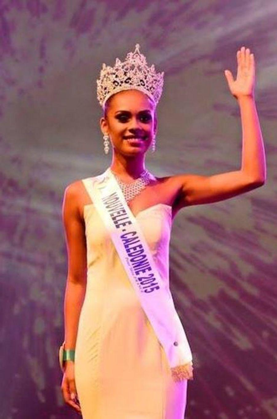 Miss Nouvelle-Calédonie - Gyna Moereo (18 ans - 1,76 m) - Étudiante en gestion administration