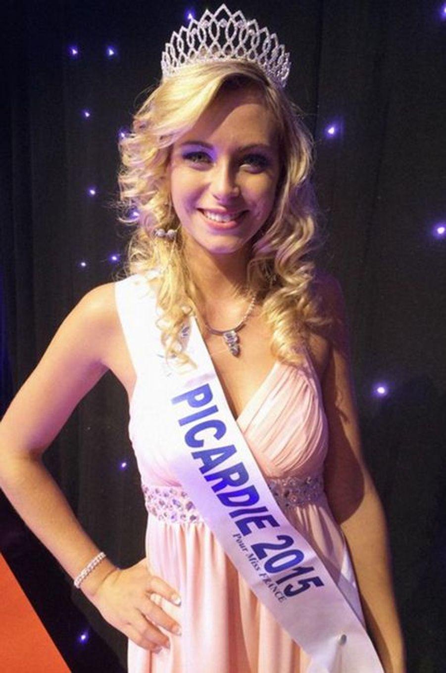 Miss Picardie - Emilie Delaplace (19 ans - 1,74 m) - Étudiante en bac professionnel esthétique et cosmétique