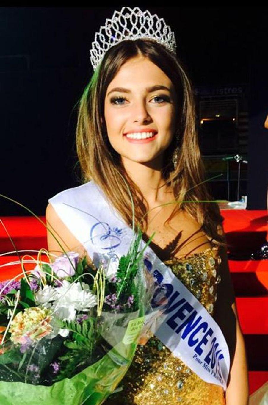 Miss Provence - Julia Courtès (18 ans - 1,73 m) - En terminale ES, elle souhaite passer le concours d'infirmière