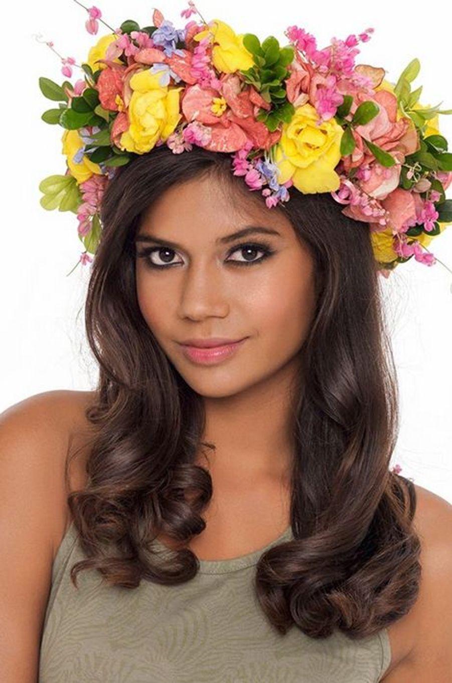 Miss Tahiti - Vaimiti Teiefitu (18 ans - 1,78 m) - Étudiante en prépa HEC