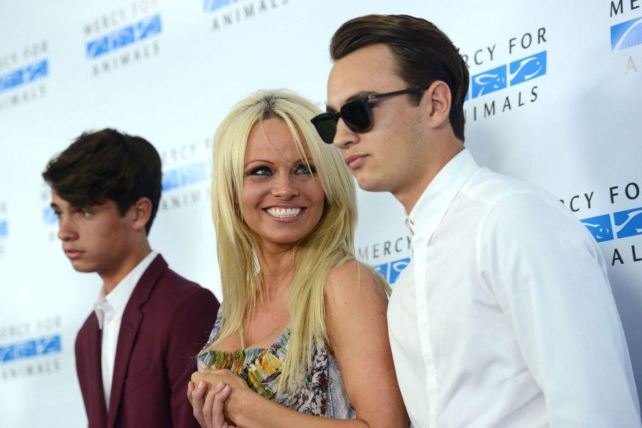 Pamela Anderson et ses fils, Dylan et Brandon