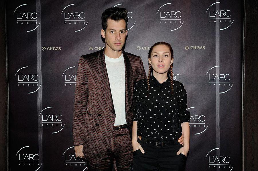 Mark Ronson et Joséphine de la Baume à Paris le 27 janvier 2015