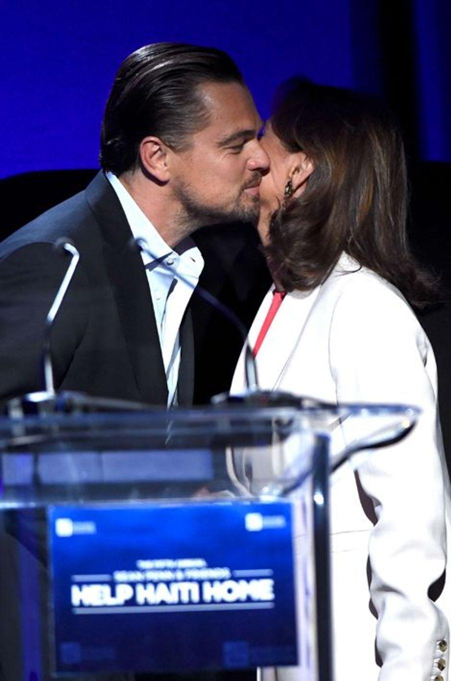"Ségolène Royal avec Leonardo DiCaprio au gala ""Help Haïti"", le 9 janvier 2016"