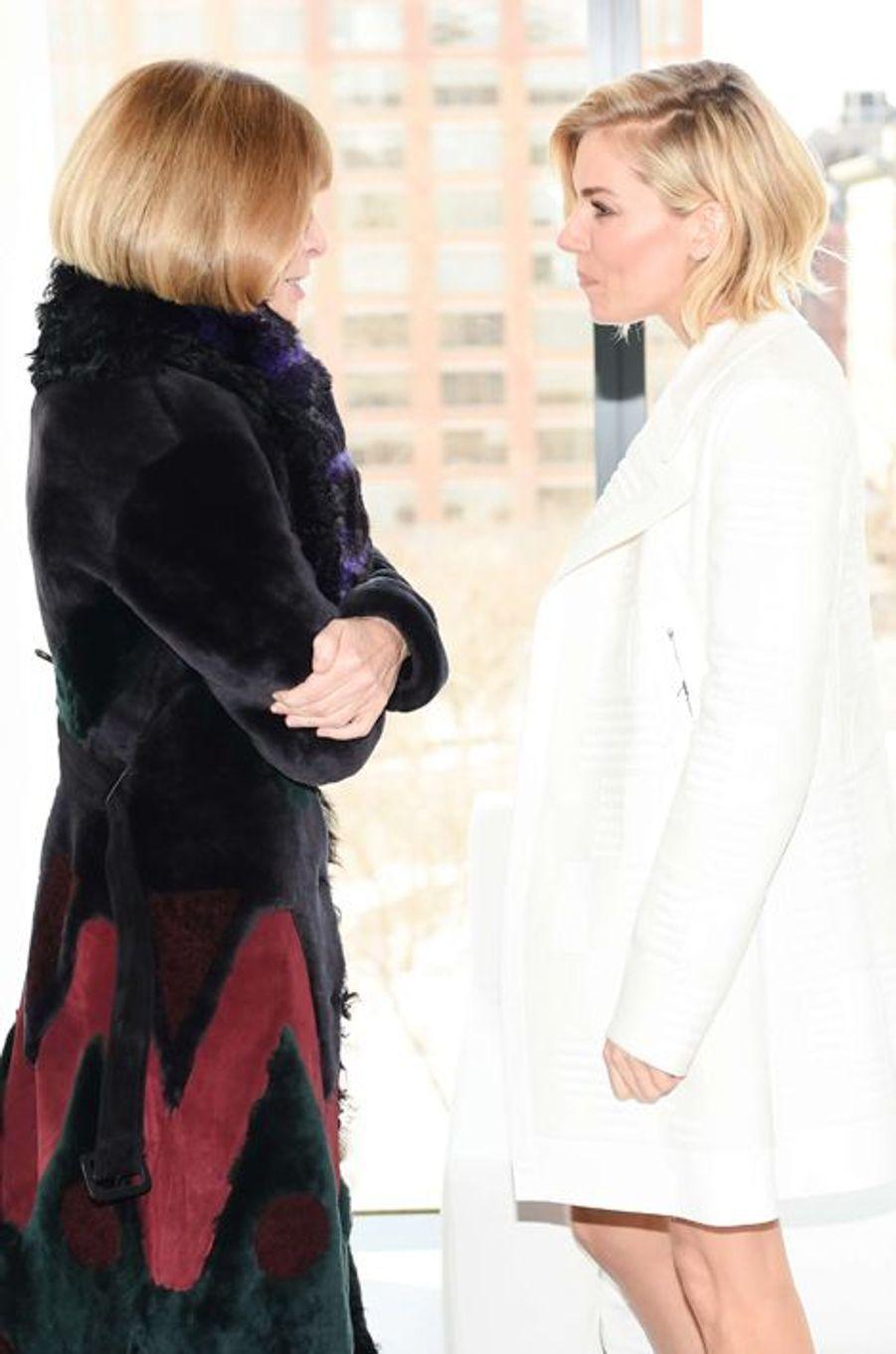 Anna Wintour et Sienna Miller au défilé Calvin Klein