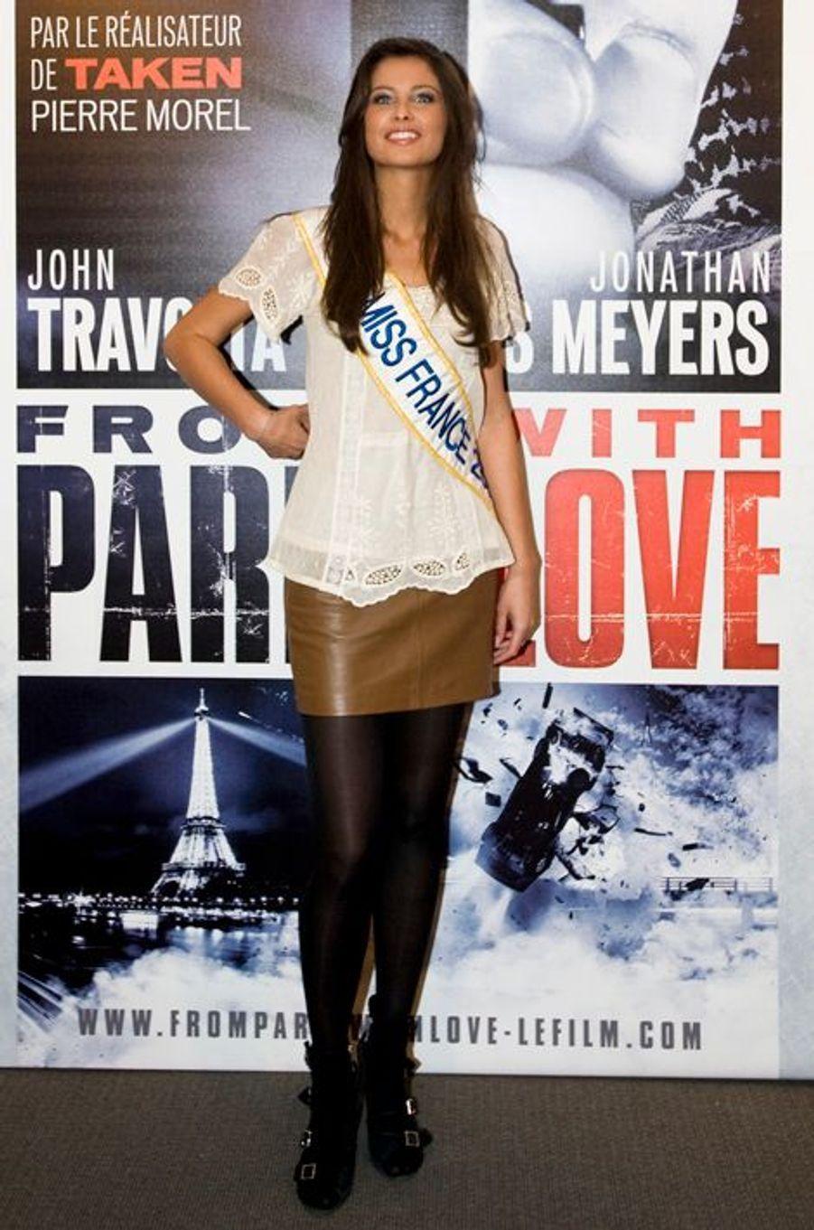 """Malika Ménard à la première de """"From Paris With Love"""" en février 2010."""