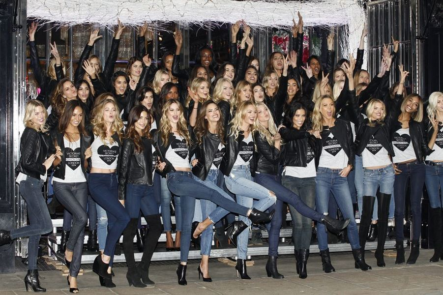 Les Anges de la marque Victoria's Secret à Londres le 1er décembre 2014