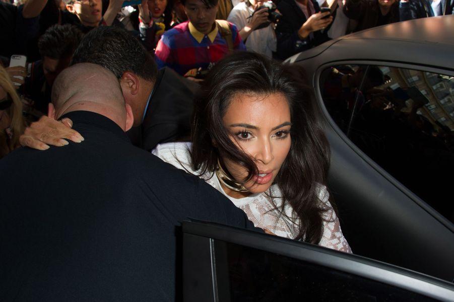 Vitalii Sediuk s'est jeté sur Kim Kardashian à Paris