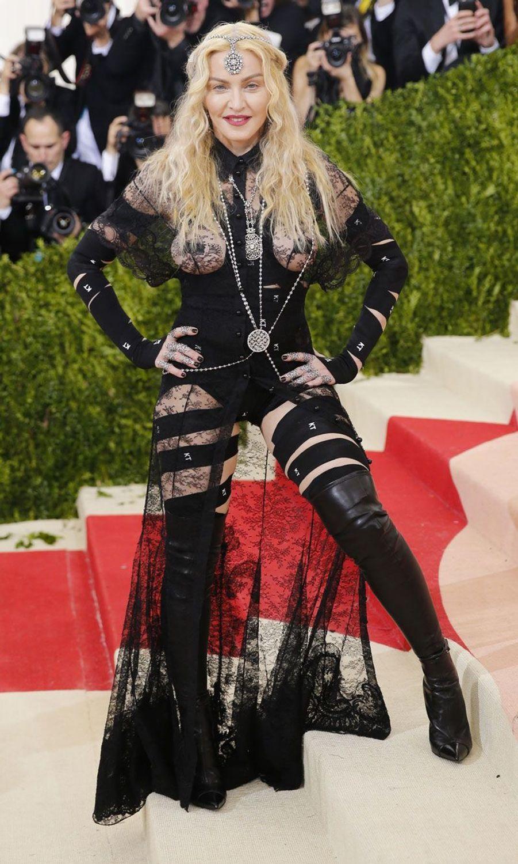 Madonna de face