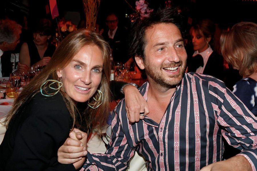 La charismatique Céline Charloux et son délirant complice Edouard Baer.