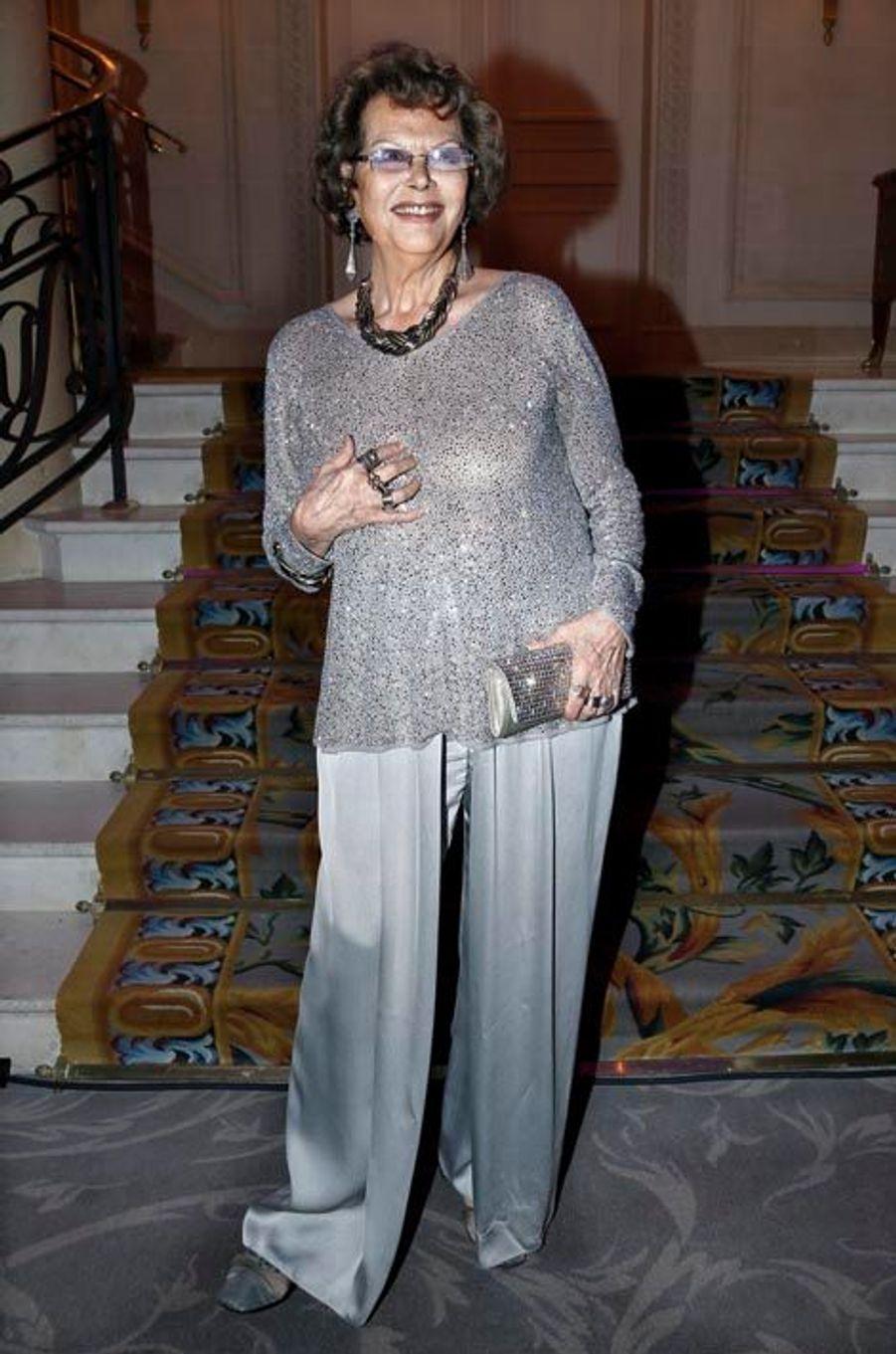 Heureuse grand-mère : Claudia Cardinale a un petit-fils, Milo, 2 mois.