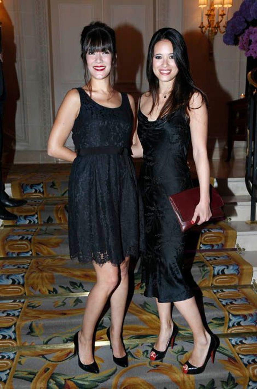 Jeunes et jolies actrices : Mélanie Doutey et Anne-Solenne Hatte.