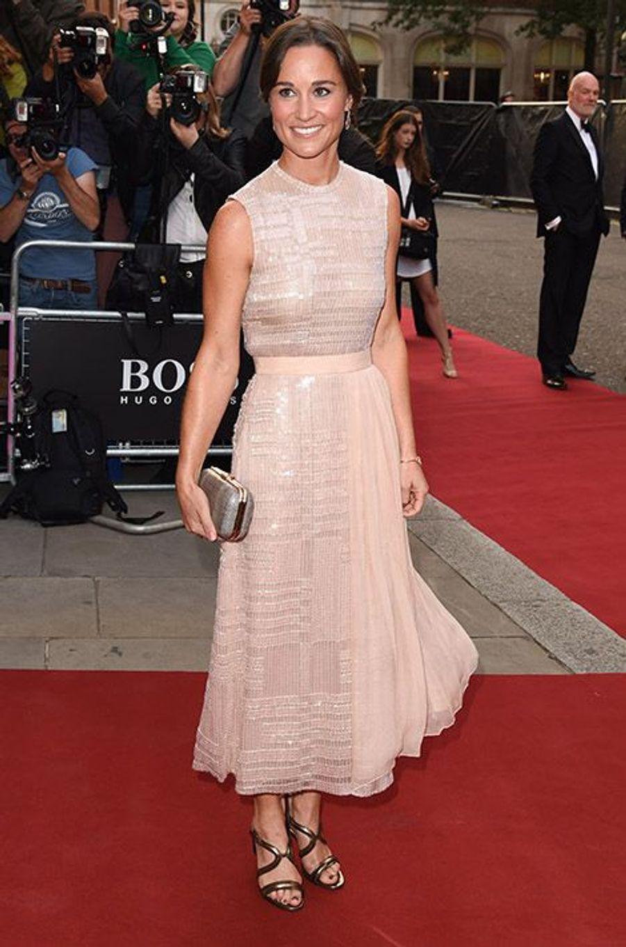 Pippa Middleton à la 17e cérémonie des GQ Awards 2014.