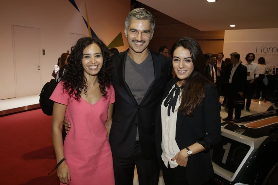 Aïda Touihri, François Vincentelli et Sofia Essaidi au Salon de l'Automobile 2014 à Paris le 2 octobre 2014