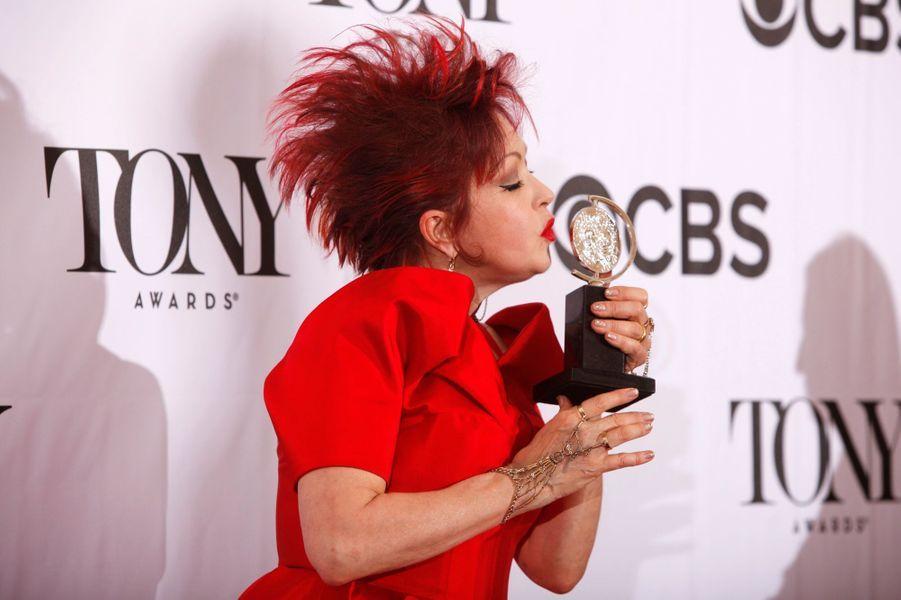 """Cyndi Lauper, récompensée pour l'écriture de """"Kinky Boots"""""""