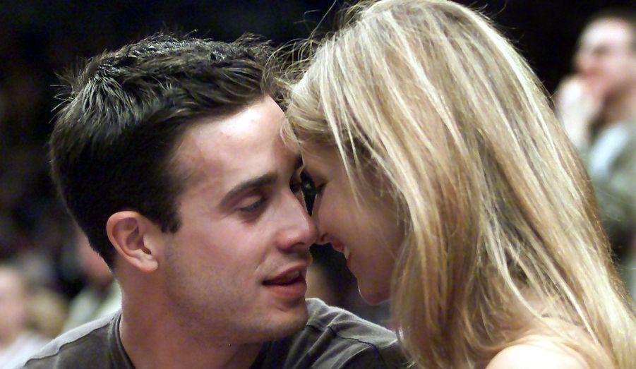 """Sarah Michelle Gellar et Freddie Prinze, Jr. se sont rencontrés en 1997 sur le tournage de """"Souviens-toi... l'été dernier"""". Et après un mariage et deux enfants, l'amour est toujours au beau fixe entre eux."""