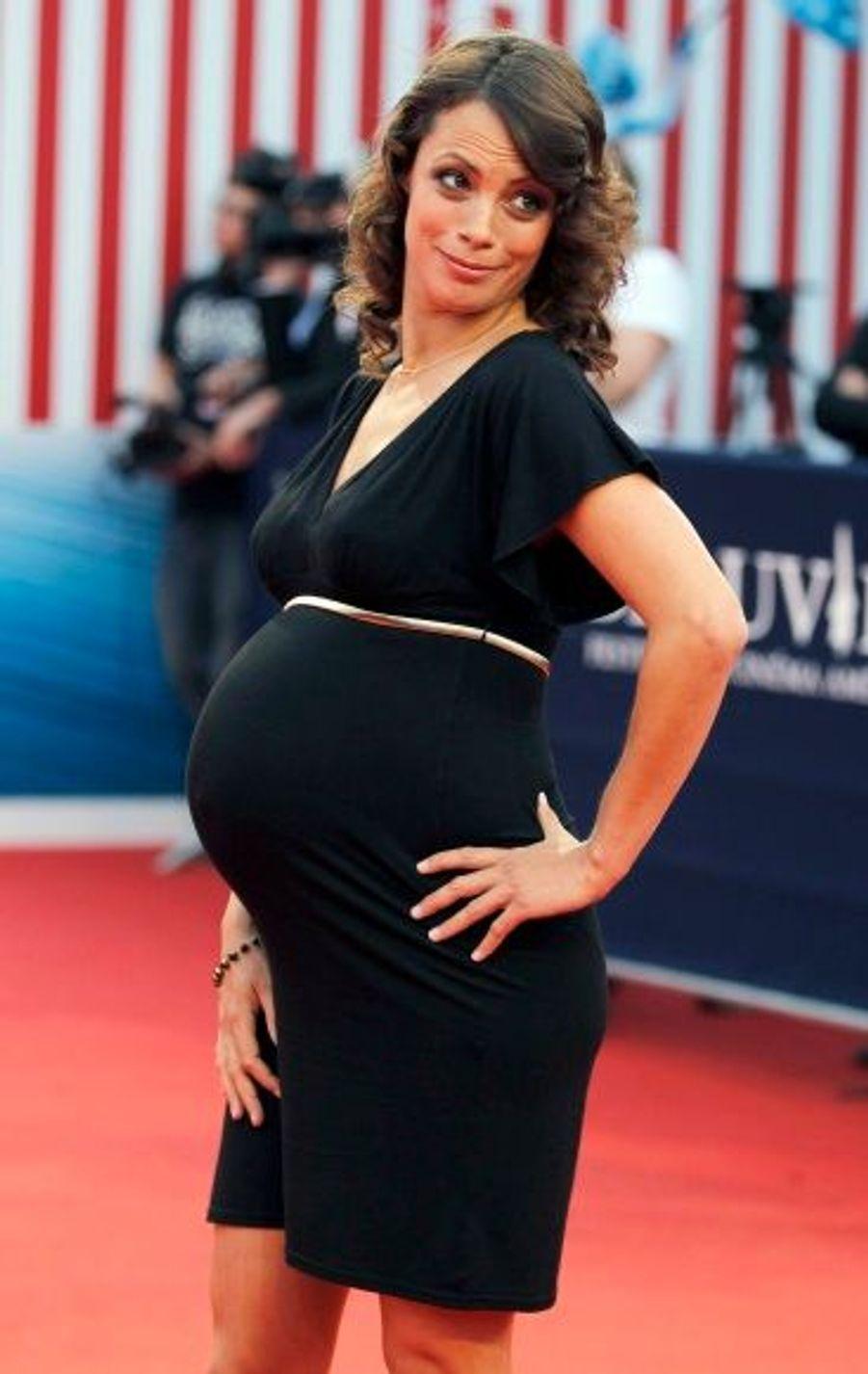 En couple avec Michel Hazanavicius, la comédienne française est maman de deux enfants: Lucien, né en 2008, et Gloria, née le 18 septembre dernier.