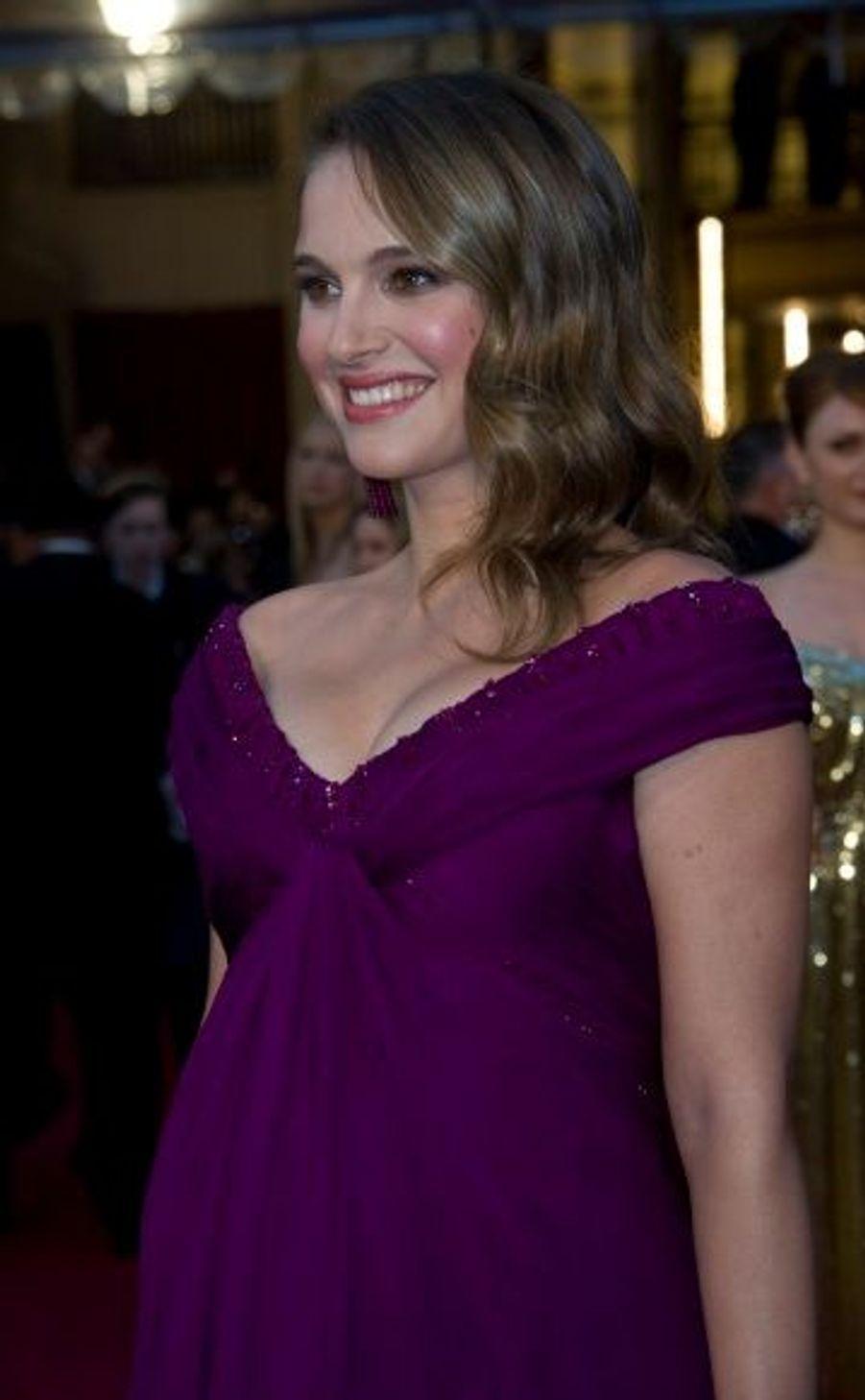 En décembre 2010, Natalie Portman, enceinte de son premier enfant, a annoncé ses fiançailles avec Benjamin Millepied. Le couple a accueilli un petit Aleph, le 14 juin.