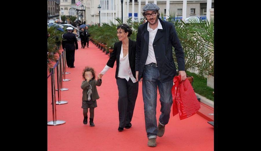 En octobre dernier, Romane Bohringer, Philippe Rebbot et leur fille de 3 ans, Rose, au festival de Dinard. L'actrice française a donné naissance à son deuxième enfant, Raoul, le 2 août.