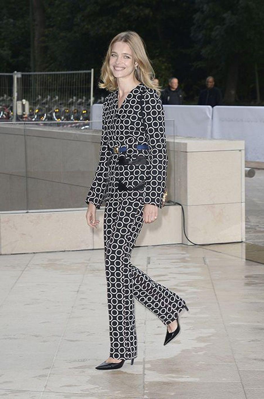 Natalia Vodianova à l'inauguration de la Fondation Louis Vuitton le 20 octobre 2014 à Paris