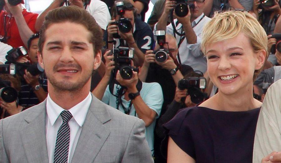 L'actrice Carey Mulligan a commencé à sortir avec le héros de Wall Street: Money Never Sleeps, Shia Labeouf, en août 2009. Leur relation s'est terminée le 18 octobre 2010.