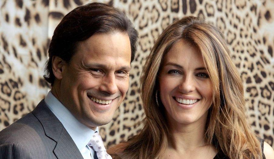Fin 2002, Liz Hurley a commencé à fréquenter l'héritier de l'industrie du textile indien, Arun Nayar. Le 2 Mars 2007, ils se sont unis au Sudeley Castle, puis il y eut un second mariage, traditionnel hindou, au Umaid Bhawan Palace de Jodhpur, en Inde. Le 12 Décembre 2010, suite à des rapports de presse sur une liaison sentimentale avec un joueur de cricket australien, Shane Warne, Liz Hurley a annoncé via son compte Twitter qu'elle et son mari Arun s'étaient séparés. De nombreux tabloïds, ont publié des photos qui semblent confirmer la romance entre le sportif et la comédienne.