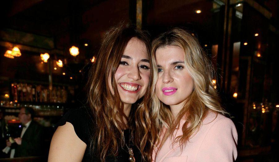 Deux copines fans du show : Izia Higelin et Cécile Cassel.