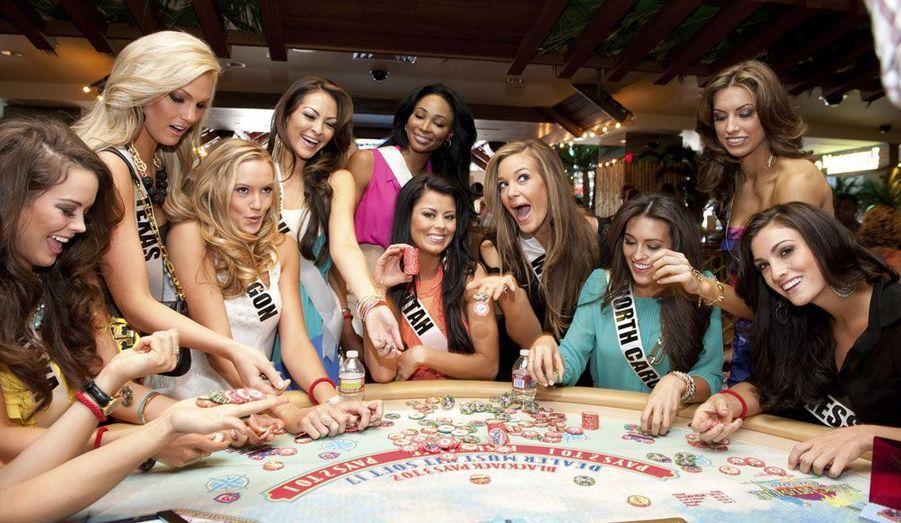 Miss Alaska, Miss Texas, Miss Oregon, Miss Hawaii, Miss Maryland, Miss Utah, Miss Virginie-Occidentale, Miss Caroline du Nord, Miss Alabama et Miss Tennessee ont profité de Las Vegas, où se tenait le concours.