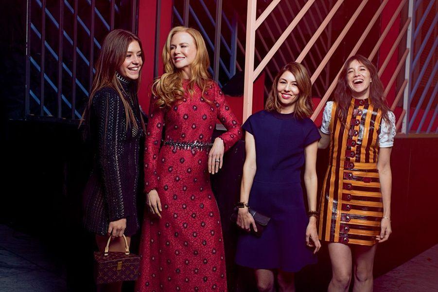 De gauche à droite : Adèle Exarchopoulos avec le sac dessiné par Frank Gehry, Nicole Kidman, Sofia Coppola et Charlotte Gainsbourg.