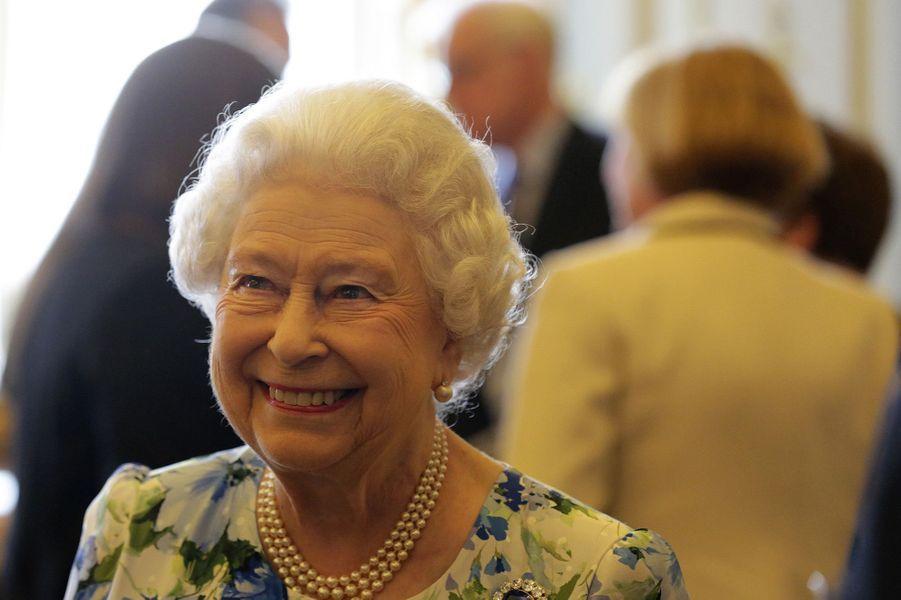 2. Elisabeth II