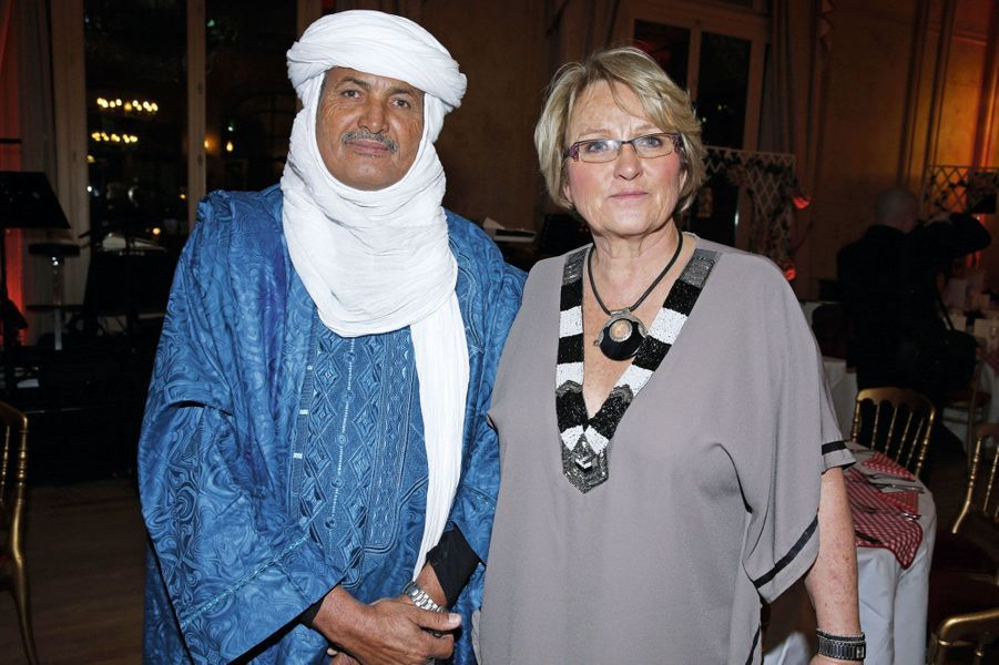 Mohamed Ixa, Christel Pernet